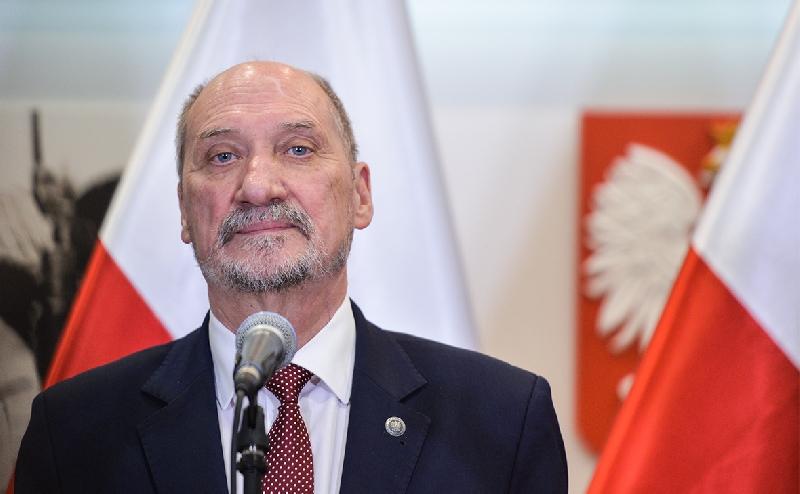 Польский министр, назвавший терактом гибель Качиньского в Смоленске, лишился поста