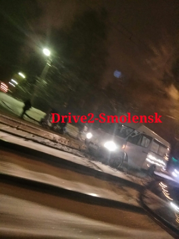 В Смоленске маршрутка «превратилась» в трамвай