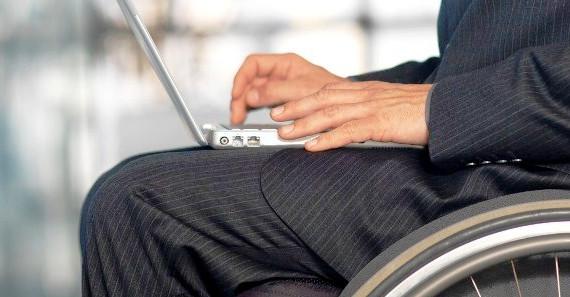 Гендиректор смоленской фирмы присвоила деньги на трудоустройство инвалида