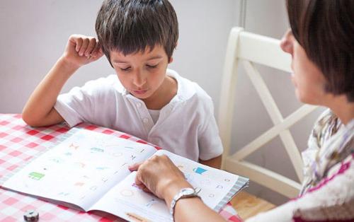Двуязычие может помочь детям с аутизмом