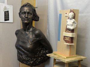 Памятники из Смоленска отвезли в Мурманск