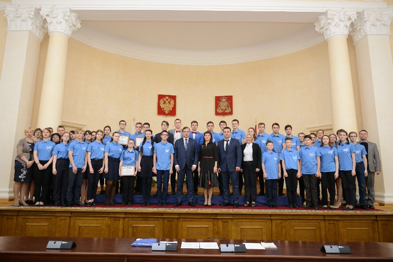 Губернатор Алексей Островский принял участие в торжественном закрытии проектной смены Ассоциации «Смоленский Олимп»