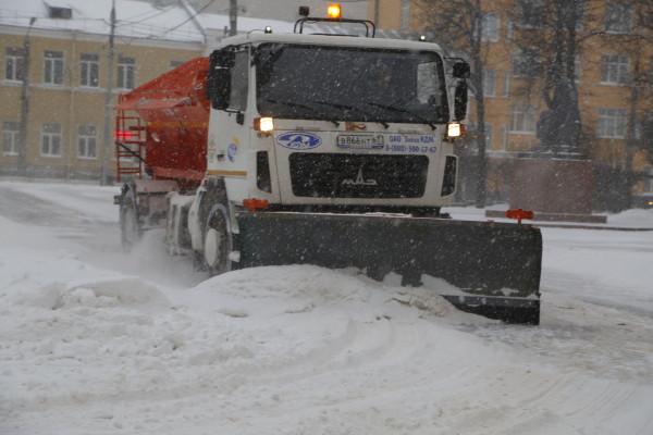 «Уборка снега в Смоленске ведется в круглосуточном режиме»