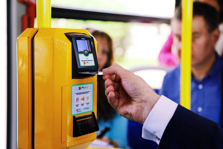 Когда в Смоленске появится система безналичной оплаты проезда в муниципальном транспорте