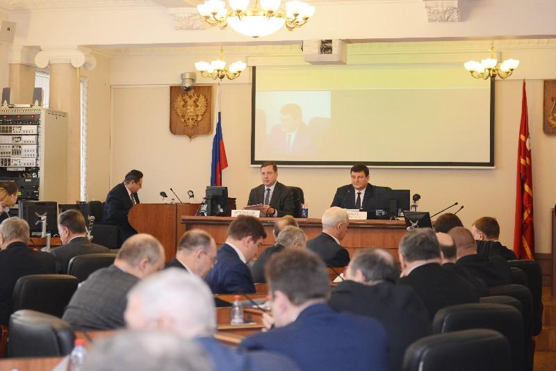 В Смоленской области принят закон о предоставлении мер социальной поддержки педагогам