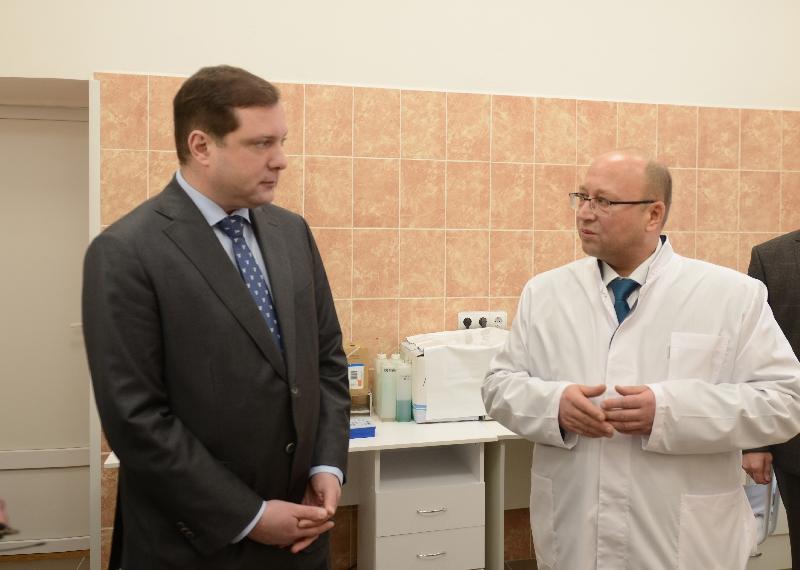 Губернатор Алексей Островский проинспектировал качество проведенного ремонта в Гагаринской больнице