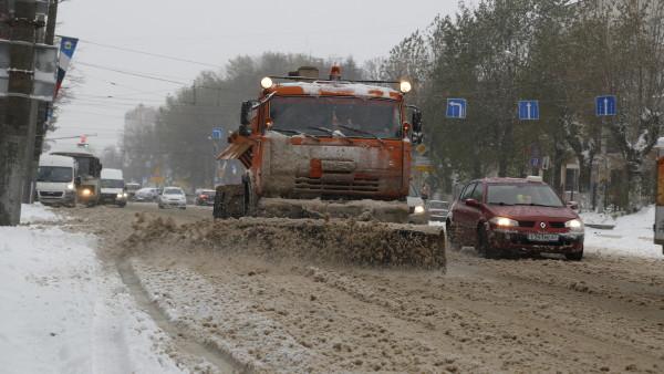 Глава Смоленска похвалил коммунальщиков за уборку улиц