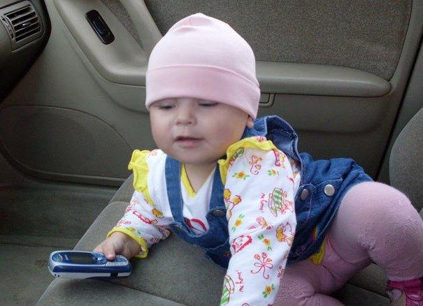 В Смоленске наказан водитель, из машины которого на ходу выпал ребенок
