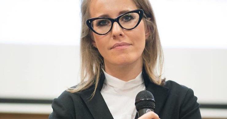 Ксения Собчак в разговоре со смолянкой сравнила себя с Меркель