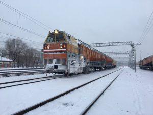 Около 20 специальных машин готовы в любой момент приступить к очистке путей от снега в Смоленском регионе МЖД