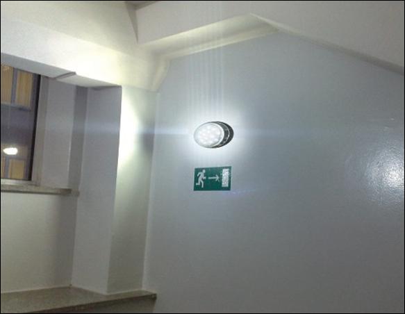 В подъездах домов в Смоленске установят 1505 светодиодных светильников