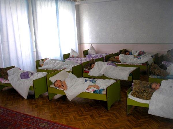 У супругов из Москвы забрали приемную девочку и отправили в смоленский приют