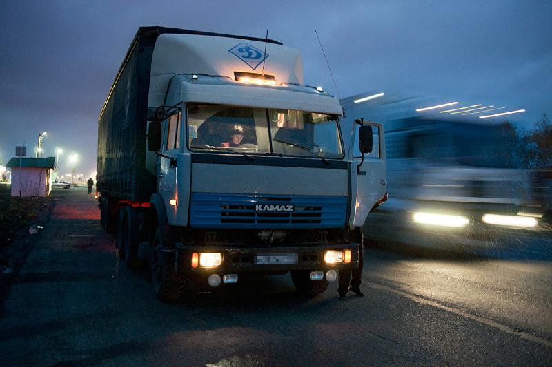 Стали известны подробности нападения на дальнобойщиков в Смоленской области