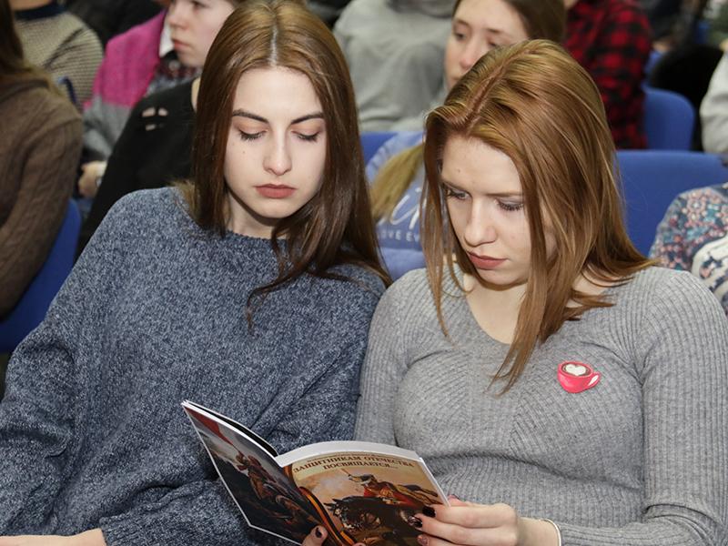 Юных смолян приглашают к участию в конкурсе «Защитникам Отечества посвящается…»