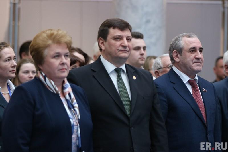 В Смоленске прошел большой форум сторонников партии «Единая Россия»
