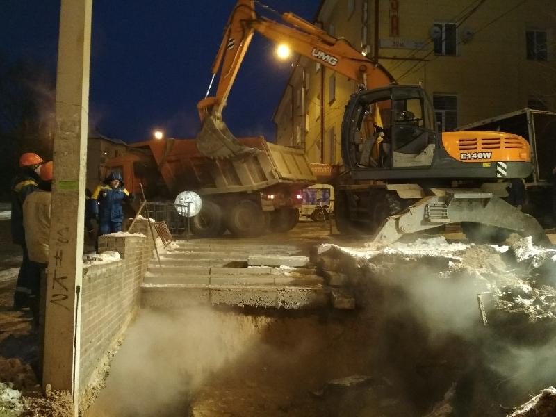 Главный инженер ПАО «Квадра» Евгений Жадовец прокомментировал ситуацию с аварией на теплосетях в Смоленске