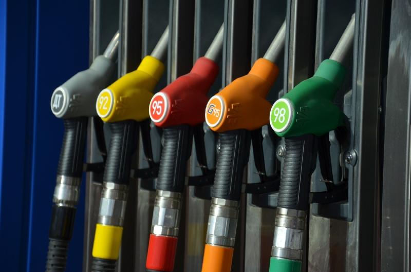 Как поменялись цены на бензин в Смоленской области