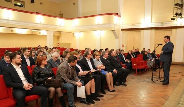 В Рославле прошла дискуссия «Единая Россия. Направление 2026»