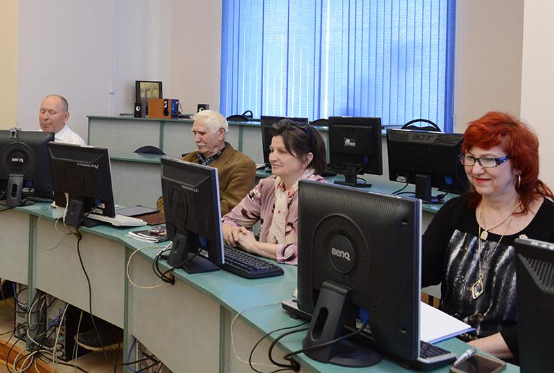 В Смоленске проходит конкурс личных достижений пенсионеров в изучении компьютерной грамотности «Спасибо Интернету-2018»