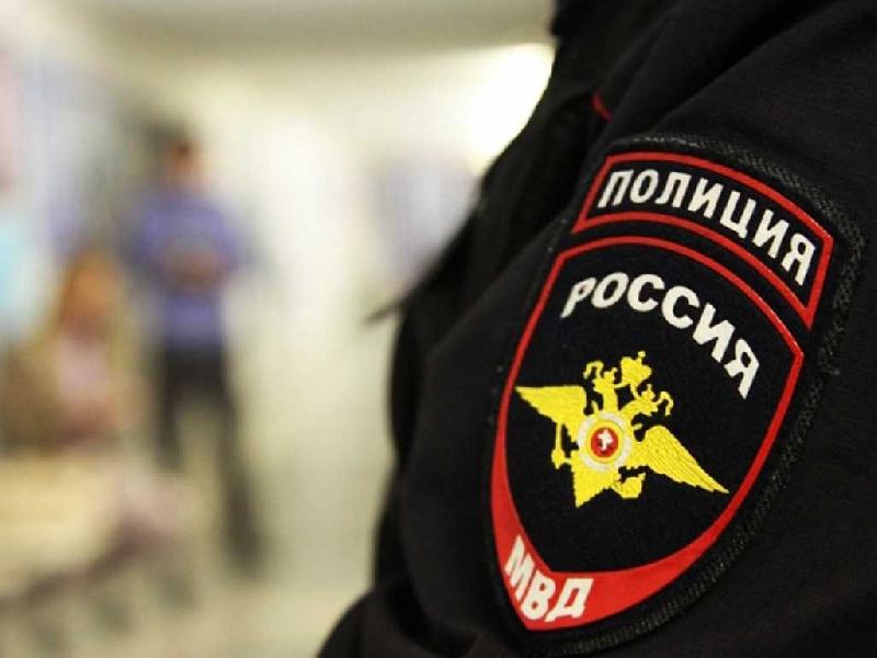 В Смоленске суд вынес приговор семейной паре, устроившей драку с полицейскими
