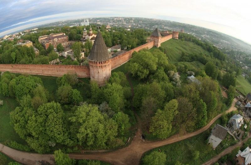 Смоленск вошел в ТОП-10 городов, популярных для бюджетных путешествий с детьми на майские праздники