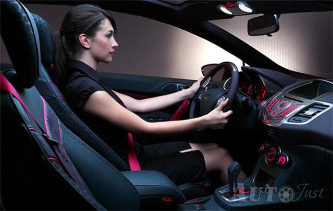 Может ли женщина стать уверенным водителем?