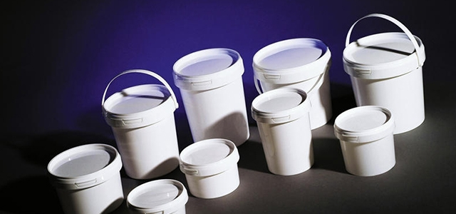 Разнообразная тара из пластика