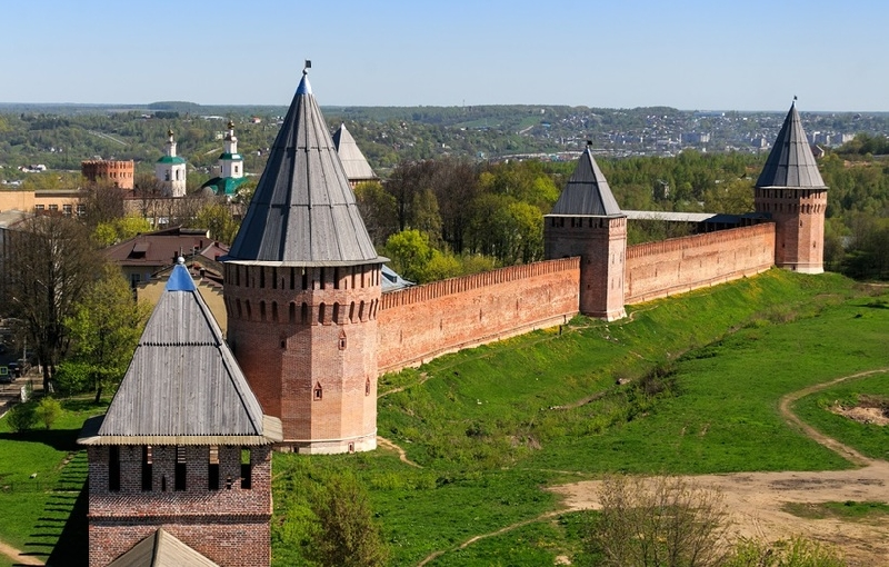 Губернатор попросил Министерство культуры срочно начинать реставрацию смоленской Крепостной стены