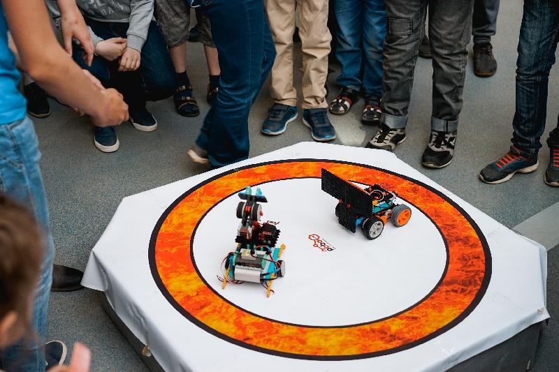 В Смоленске состоялся чемпионат по робототехнике