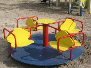 В райцентре Смоленской области 120 тыс рублей собираются потратить на установку детской площадки