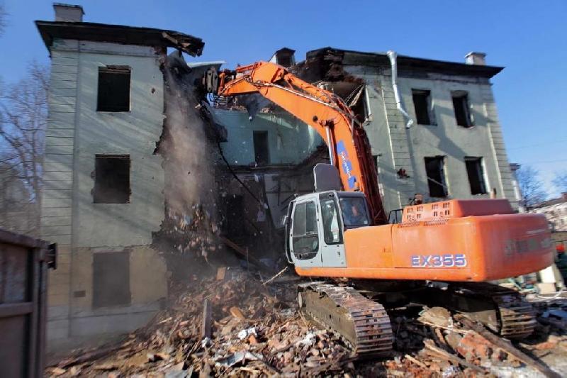 В райцентре Смоленской области потратят больше трех миллионов рублей на снос домов