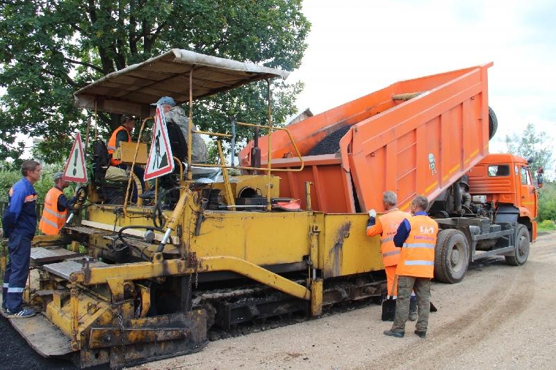 На ремонт дорог в районах Смоленской области направят более 930 млн рублей
