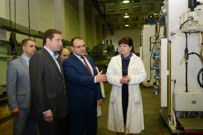 В Смоленской области социально значимому предприятию помогут с сырьем и льготами