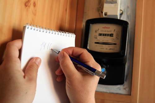 Как не платить за электричество и самовольно подключаться к сети. В Смоленске заблокировали два сайта