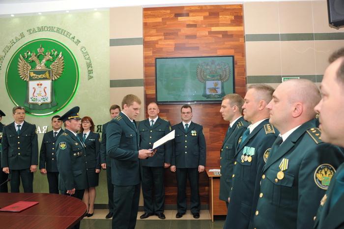 В Смоленске таможенники приняли присягу
