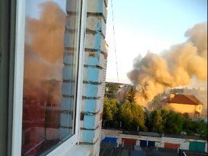 Пожар в доме в райцентре Смоленской области попал на видео