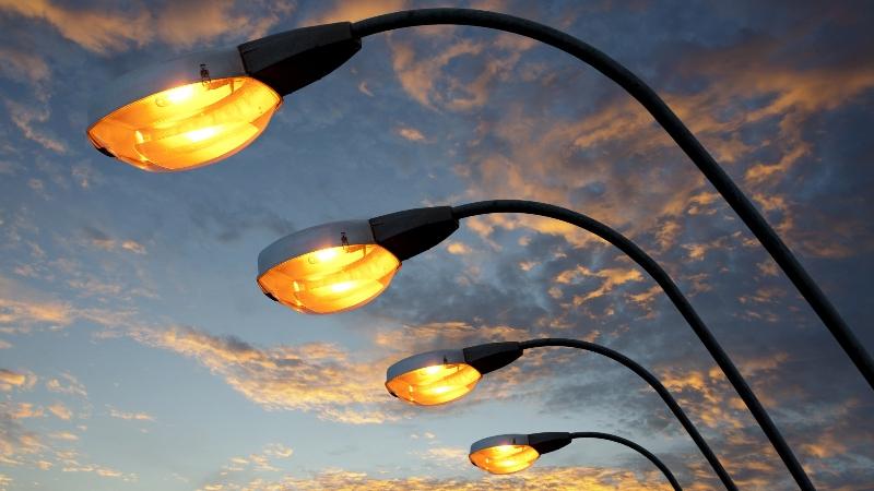 Опыт Смоленской области по модернизации уличного освещения внедрят в 12 регионах