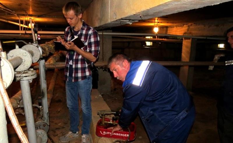 В Смоленске «Жилищник» приступил к подготовке домов к новому отопительному сезону