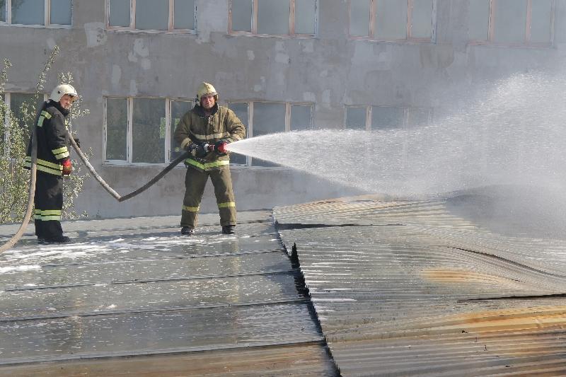 Появились фото крупного пожара в Смоленске
