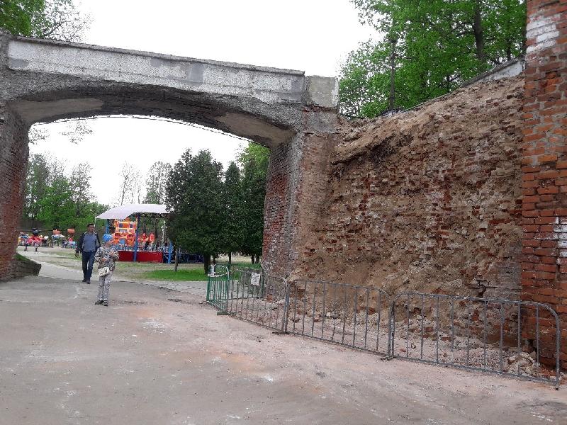 «Демонтируемая кладка не имеет отношения к Смоленской крепостной стене»