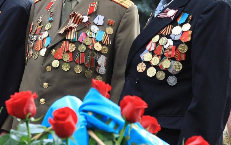 Сколько смоленских ветеранов получат денежные выплаты
