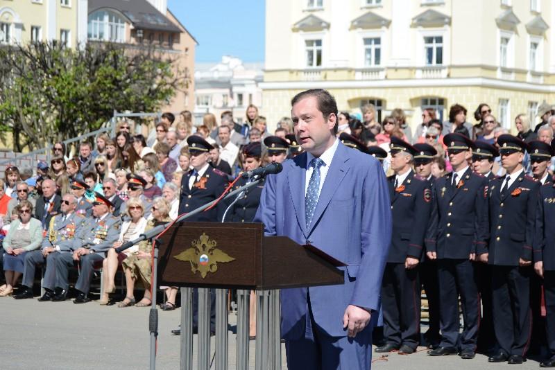 Губернатор Алексей Островский принял участие в торжественном мероприятии, посвященном 300-летию образования российской полиции