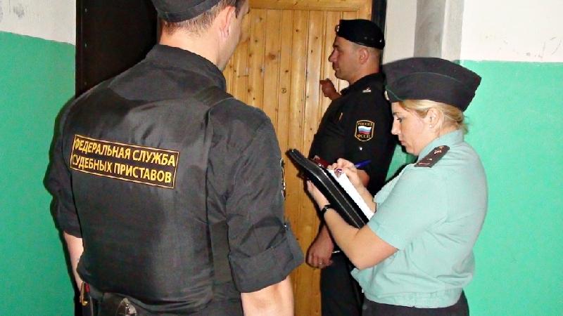 Приставы взыскали со смолян более 4 млн рублей