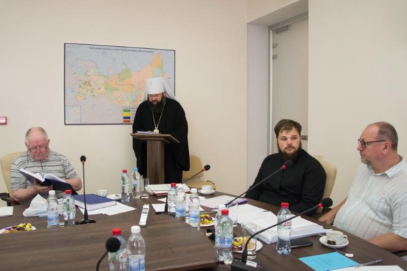 Смоленский митрополит Исидор защитил кандидатскую диссертацию