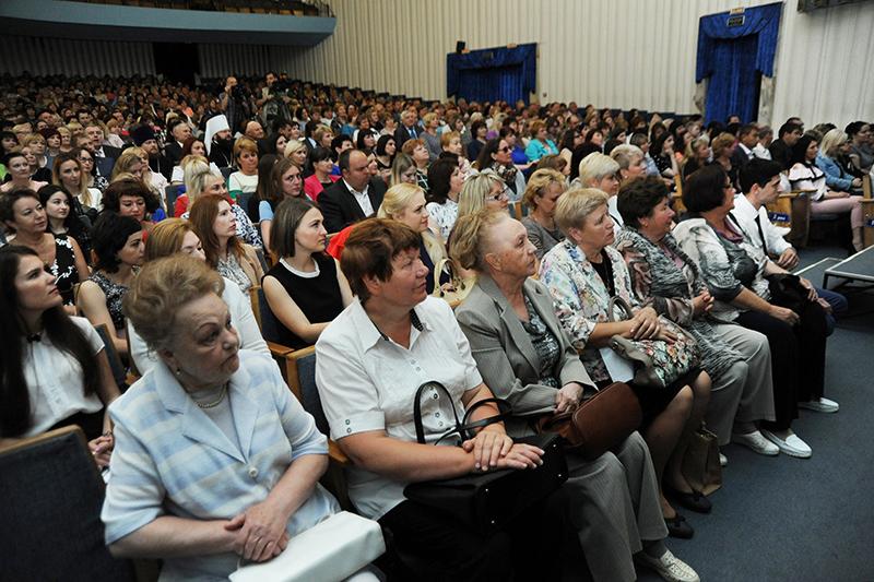 В Смоленской области поздравили соцработников