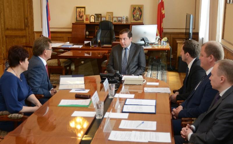 Губернатор Алексей Островский провел рабочее совещание с представителями Федеральной службы государственной статистики