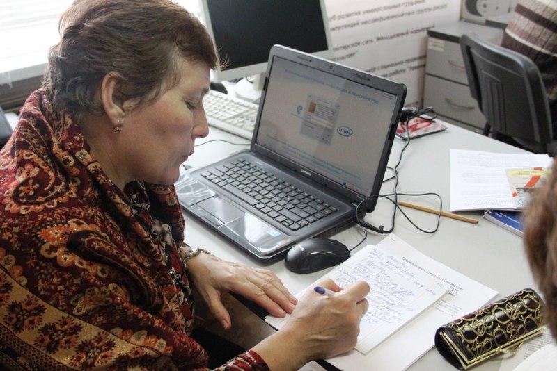 В каких сферах ищут работу и сколько хотят получать смоляне в возрасте 50+