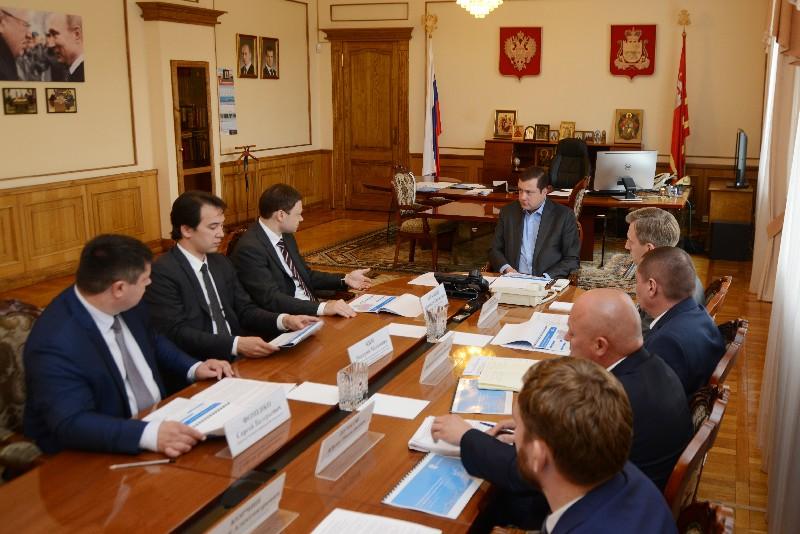 Губернатор Алексей Островский провел рабочую встречу с вице-президентом ПАО «Ростелеком» Александром Абрамковым