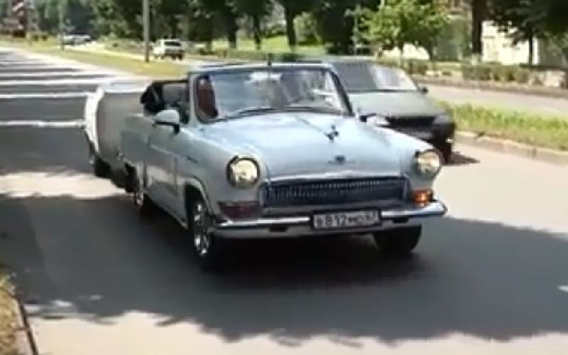 «Волга-Валерия». Смолянин приехал в Северную Осетию на необычном автомобиле