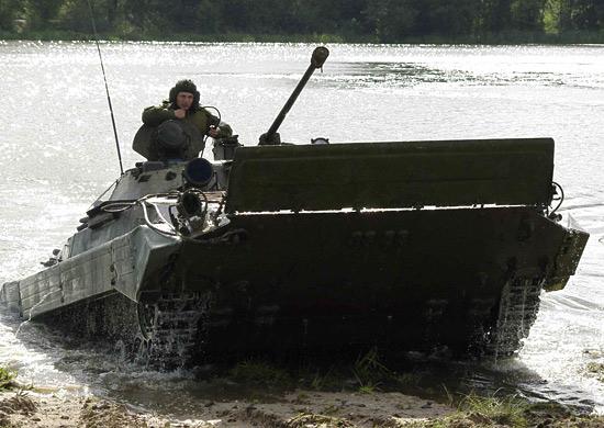 В Смоленской области войска отрабатывают подводное вождение